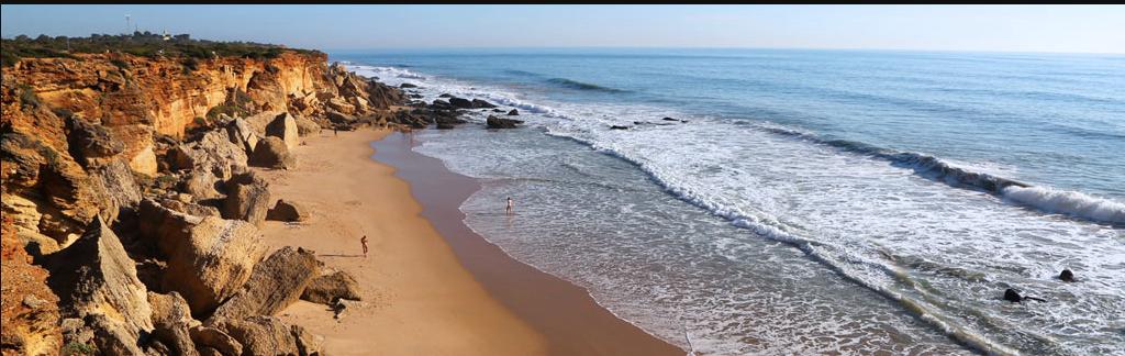 Nudismo Naturismo en Cádiz playa de calas de roche