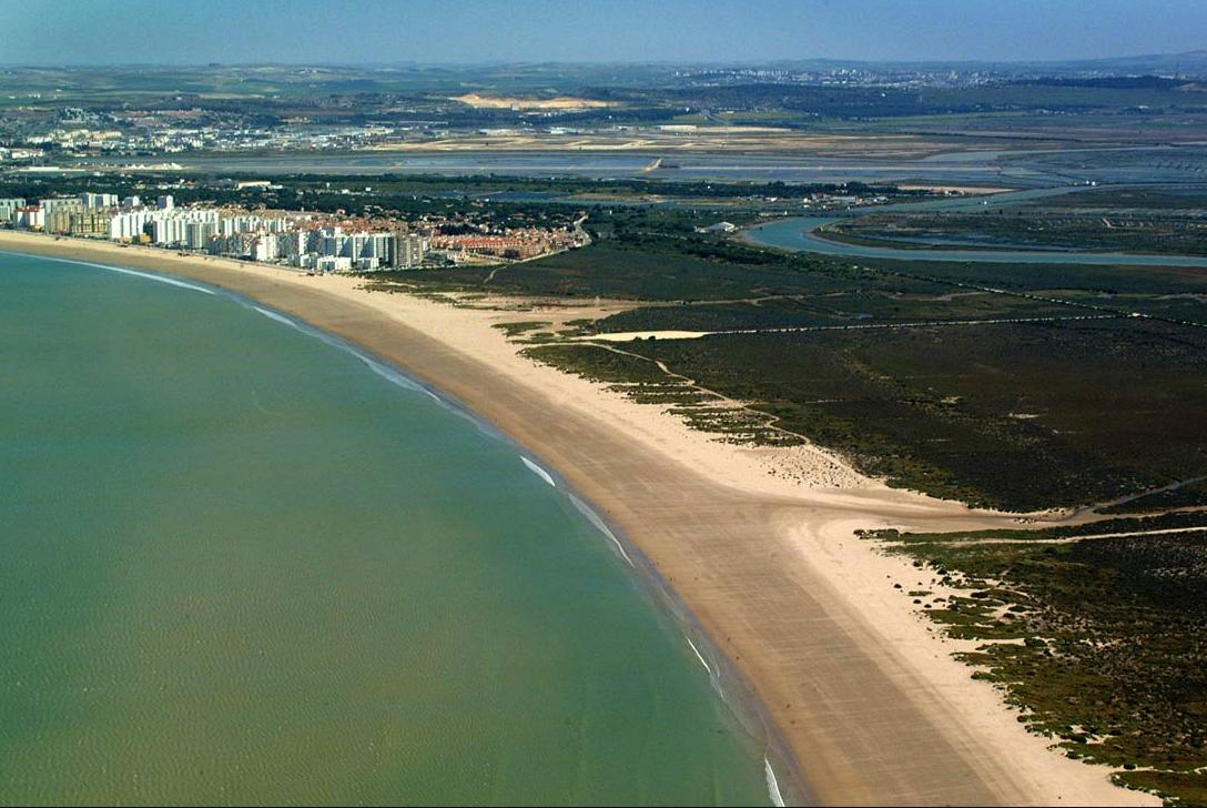 Nudismo Naturismo en Cádiz playa de puerto santa maria